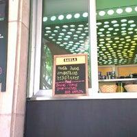 Foto scattata a Chelo Café & Zumo da Andrea B. il 7/13/2013