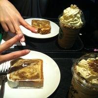 Photo taken at Starbucks by りーら on 5/23/2013
