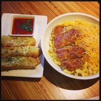 Foto scattata a Noodles & Company da Tiffany Lynn C. il 7/18/2013