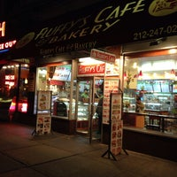 Photo taken at Fluffy's Cafe & Pizzeria by Kenneth M. on 11/8/2014