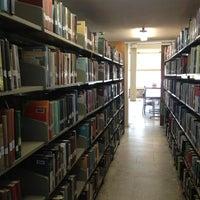 4/11/2013 tarihinde Saliha E.ziyaretçi tarafından Aptullah Kuran Kütüphanesi'de çekilen fotoğraf