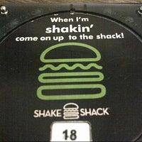 Foto tomada en Shake Shack por 7ManDoOo el 11/2/2012