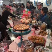 Photo taken at DŌ, Cookie Dough Confections by Mel R. on 4/22/2017