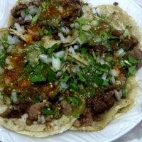 Photo taken at Tacos Los Güeros by Carlos O. on 1/20/2013