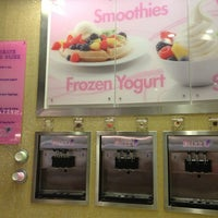 Photo prise au Blizz Frozen Yogurt par Nathan G. le2/10/2013