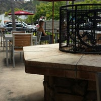 Photo taken at The Coffee Bean & Tea Leaf by Moises L. on 7/25/2013