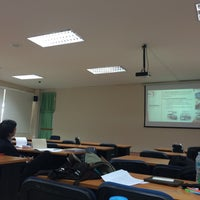 Photo taken at วิทยาลัยบัณฑิตศึกษาการจัดการ (MBA) by 。Kookkick.εїз 。 on 11/1/2015