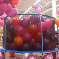 Foto tomada en Walmart Paraíso por Vero M. el 7/16/2013