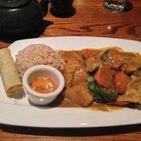 Photo taken at Wild Ginger Pan-Asian Vegan Cafe by neerad jet .. on 11/4/2012