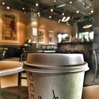 5/22/2016 tarihinde Umut E.ziyaretçi tarafından Starbucks'de çekilen fotoğraf