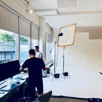 Das Foto wurde bei Milk Studios von Cole K. am 7/30/2018 aufgenommen