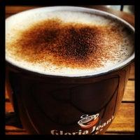 9/23/2012 tarihinde €r†@nziyaretçi tarafından Gloria Jean's Coffees'de çekilen fotoğraf
