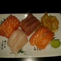 Photo taken at Sushi Laranjeiras by Arianna C. on 10/19/2012