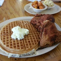 Photo taken at Roscoe's House of Chicken and Waffles by Sait Mesutcan I. on 5/27/2013