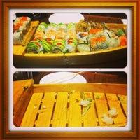 Photo prise au Tasu Asian Bistro Sushi & Bar par Chris F. le4/6/2013