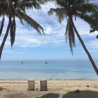 Photo taken at North Beach Mana Island Fiji by ✨ Lady Di W. on 11/11/2016