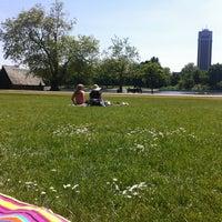 Foto tirada no(a) Hyde Park por Olga P. em 6/5/2013