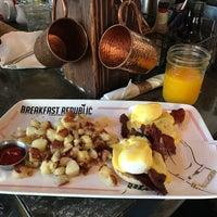 รูปภาพถ่ายที่ Breakfast Republic โดย Javier R. เมื่อ 9/2/2017