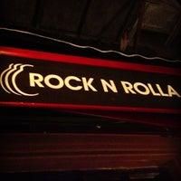 5/28/2013 tarihinde Burak D.ziyaretçi tarafından Rock N Rolla'de çekilen fotoğraf