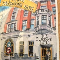 Photo prise au The Clarence Hotel par Carolina F. le10/26/2012