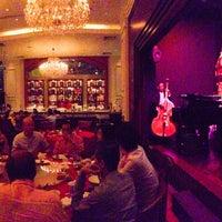 Photo taken at Grand Shanghai Restaurant 大上海 by gerard t. on 8/12/2014