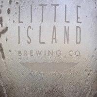 Foto tirada no(a) Little Island Brewing Co. por gerard t. em 11/11/2017