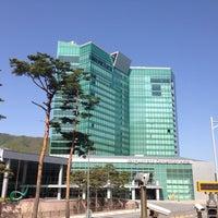 Photo taken at 강원랜드 컨벤션 호텔 by Jungchan A. on 5/10/2014