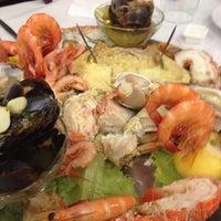 Foto tirada no(a) Restaurante Marisqueira Florbela por Bruno M. em 8/10/2013