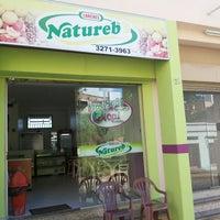 Foto tirada no(a) Natureb's por Fabricio M. em 5/19/2013