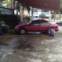 Photo taken at Auto Bhan Car Wash by John Jake S. on 9/30/2012