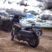 Photo taken at Aircraft Viewing Area 3 (Melbourne Airport) by ROLIVE1 on 9/20/2014
