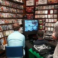 12/15/2012にAshley Nicole H.がGame Over Videogamesで撮った写真