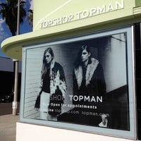 Photo taken at Topshop/Topman Showroom (Pop-up) by Melissa K. on 11/9/2012