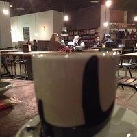 Foto tomada en Raff Tapas & Bar por Daniel I. el 12/22/2013