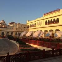 1/25/2013 tarihinde Srinivasaziyaretçi tarafından Rambagh Palace Hotel'de çekilen fotoğraf