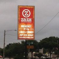Foto tomada en Zaza New Cuban Diner por Robert S. el 6/2/2013