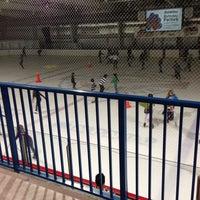 Photo prise au Palm Beach Skate & Ice Zone par Jim K. le5/4/2013