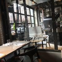 Das Foto wurde bei East One Coffee Roasters von Daniel M. am 1/13/2018 aufgenommen