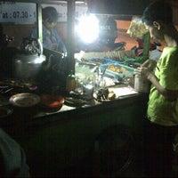 Photo taken at angkringan mas slamet by Ranov Z. on 6/3/2013