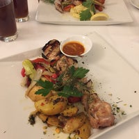 Das Foto wurde bei Ariston Restaurant von Nadine am 1/19/2017 aufgenommen
