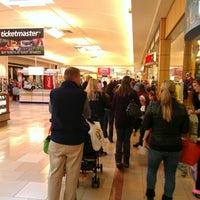 Das Foto wurde bei Ocean County Mall von Kate B. am 11/5/2012 aufgenommen