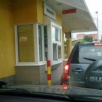 Снимок сделан в McDonald's пользователем Vadim K. 6/23/2013