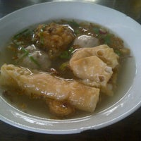 "Photo taken at Bakso & Bakwan Malang ""Cak Uban"" by paramita y. on 5/16/2013"