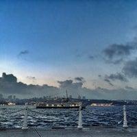 Das Foto wurde bei Üsküdar Deniz Feneri von Adem Ç. am 7/5/2013 aufgenommen