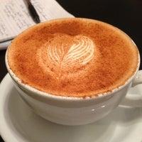 Foto scattata a JoLa Cafe da Debbie D. il 9/13/2013