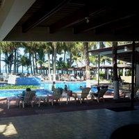 Foto tomada en Hotel Izalco & Beach Resort por Alex G. el 7/21/2013