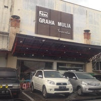 Photo taken at Graha Mulia (GM) Toserba by Andrie W. on 4/13/2014