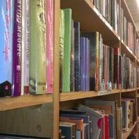 Das Foto wurde bei Half Price Books von David P. am 1/29/2013 aufgenommen