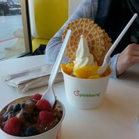 Photo taken at Pinkberry by Christella M. on 3/13/2013