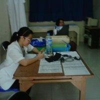 Photo taken at Poli Kontrol Rehabilitasi Medik, BLU Prof. RD Kandou, Malalayang. by Tonny R. on 7/16/2013